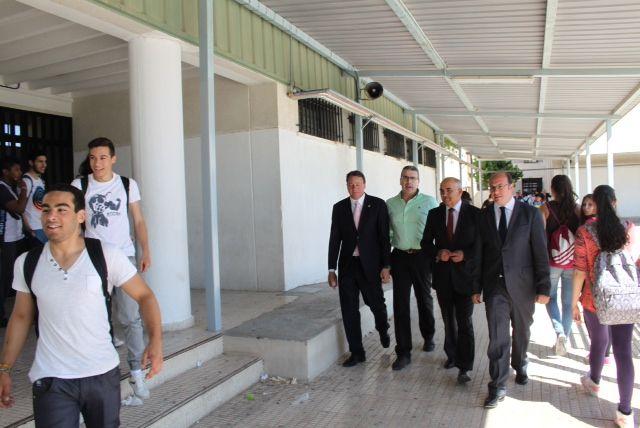 Garre centra la prioridad del Gobierno regional en mejorar los servicios educativos, sanitarios y culturales - 1, Foto 1