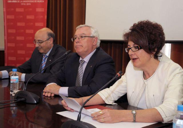 El rector Cobacho expresa su preocupación por la falta de recursos en la lectura del comunicado de la CRUE - 1, Foto 1