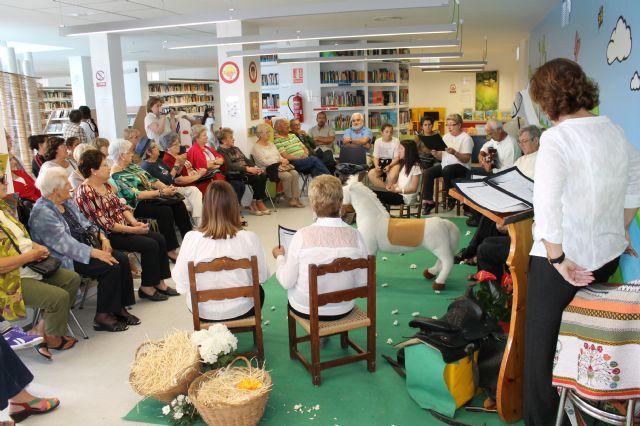 El Día del Libro homenajea hoy a Antonio Machado y a Gloria Fuertes - 2, Foto 2