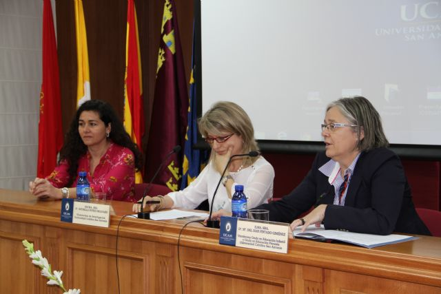La UCAM organiza un foro de debate para promover la educación en valores y la inteligencia emocional - 1, Foto 1
