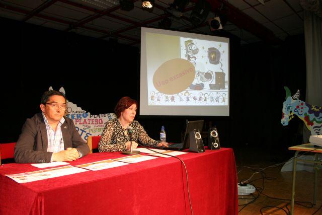 La entrega de premios de las actividades cierra los actos del Día del Libro 2014 - 2, Foto 2