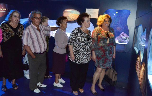 Los socios del Centro Municipal de la Tercera Edad cautivados con el CIMAR de Águilas - 2, Foto 2