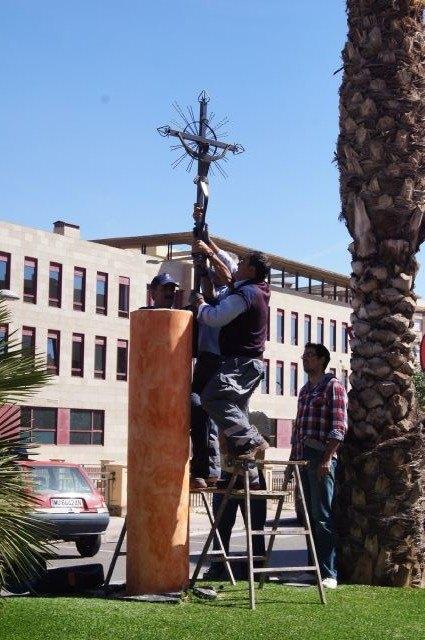 El artesano José Moreno Andanuche regala al pueblo de Totana una cruz de hierro forjado, Foto 2