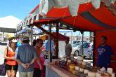 Una treintena de artesanos muestran sus productos en la explana de Lo Pagán hasta el domingo