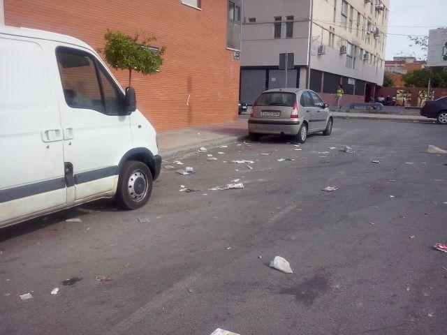 IU-Verdes Alcantarilla denuncia la dejadez del PP en el control de la recogida de basuras y la limpieza viaria - 2, Foto 2
