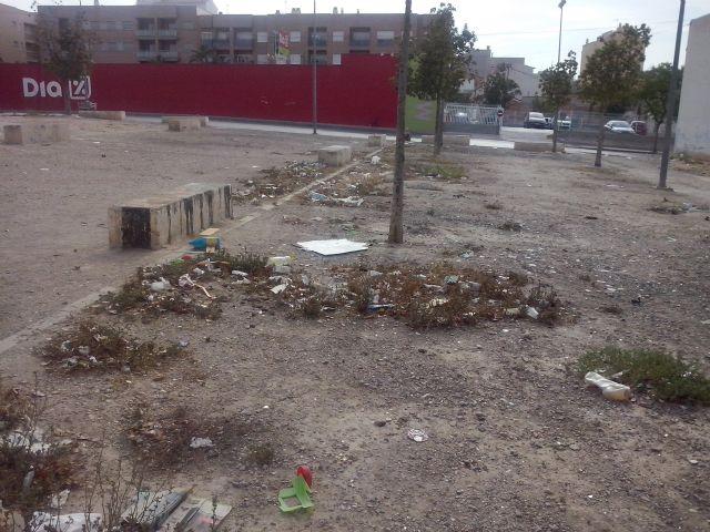 IU-Verdes Alcantarilla denuncia la dejadez del PP en el control de la recogida de basuras y la limpieza viaria - 4, Foto 4