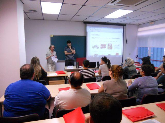 Casi treinta alumnos comienzan un curso de inglés en Empleo que les permitirá acceder a pruebas libres de la Escuela Oficial de Idiomas, Foto 2