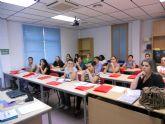 Casi treinta alumnos comienzan un curso de ingl�s en Empleo que les permitir� acceder a pruebas libres de la Escuela Oficial de Idiomas