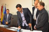 Alfonso Samper Úbeda toma posesión de su acta de concejal en sustitución de Celia Martínez