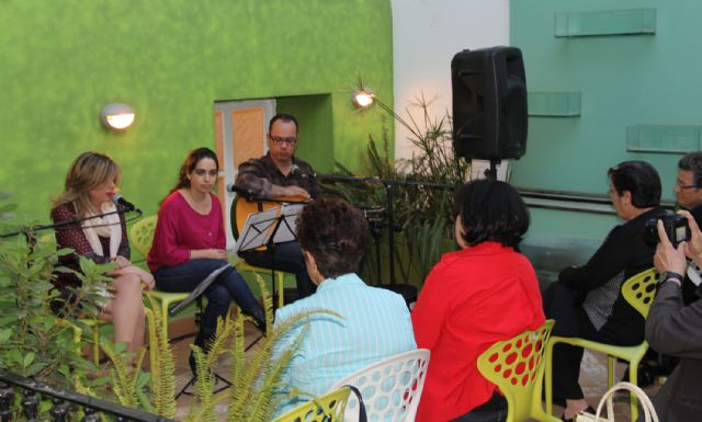 Puerto Lumbreras acogió el espectáculo cultural Poetas y Cuadrilleras. Vivencias musicales - 2, Foto 2