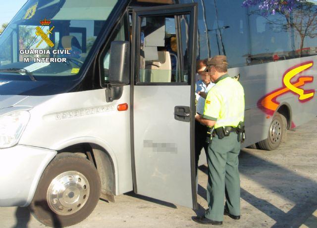 La Guardia Civil denuncia al conductor de un autobús que triplicaba la tasa máxima de alcoholemia - 2, Foto 2