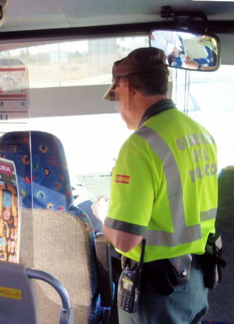 La Guardia Civil denuncia al conductor de un autobús que triplicaba la tasa máxima de alcoholemia - 3, Foto 3