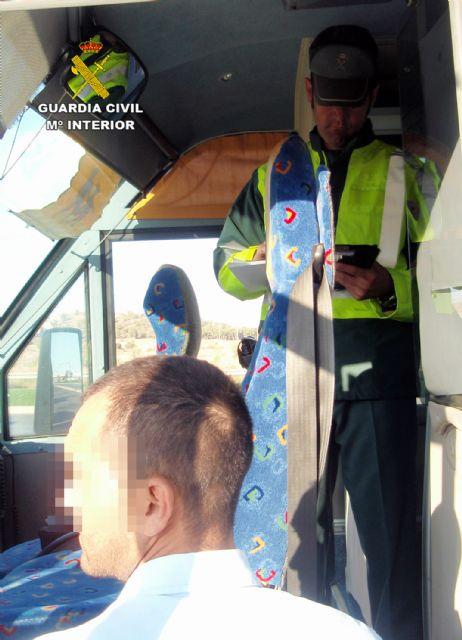 La Guardia Civil denuncia al conductor de un autobús que triplicaba la tasa máxima de alcoholemia - 4, Foto 4