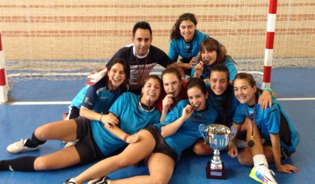 Las cadetes del ´Siglo XXI´ se proclaman campeonas regionales de fútbol sala en Deporte Escolar - 1, Foto 1