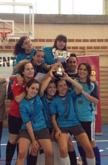 Las cadetes del ´Siglo XXI´ se proclaman campeonas regionales de fútbol sala en Deporte Escolar - 2, Foto 2