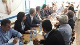 El Consejero de Industria y Turismo expresa el 'absoluto compromiso' del Gobierno Regional con la regeneración de Bahía de Portmán