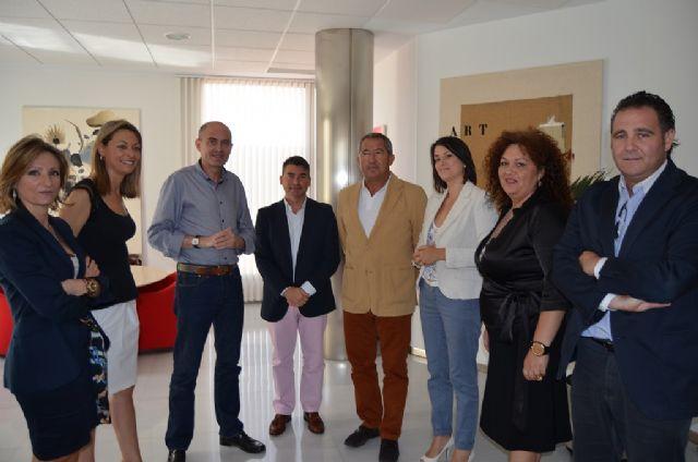 La directora del Instituto de Turismo, Mariola Martínez se reunió con los concejales de Turismo del Mar Menor, en San Javier - 1, Foto 1