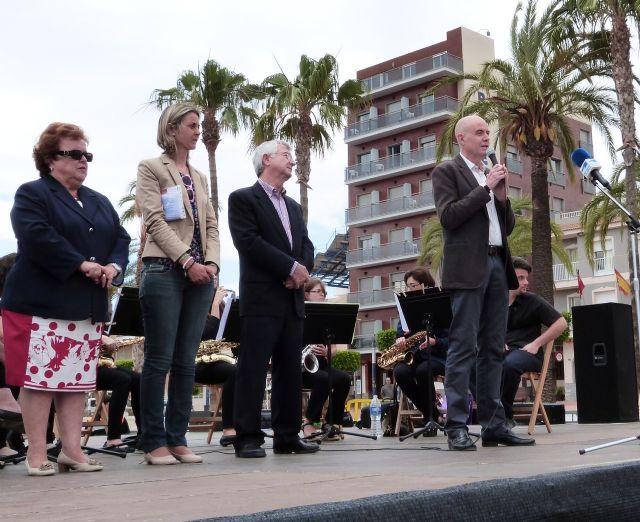 Cientos de personas visitaron la gran fiesta de las asociaciones en Santiago de la Ribera - 2, Foto 2