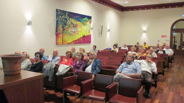 La Asociación Kalathos imparte una charla-conferencia en el Casino de Murcia, Foto 3