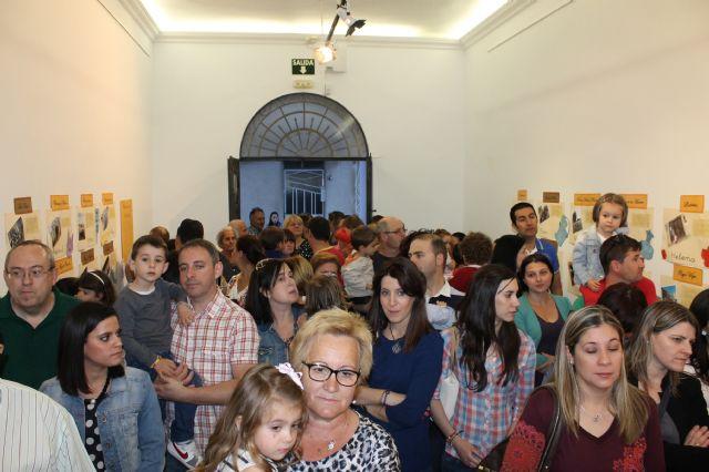 La sala de exposiciones del Centro Cultura Plaza Vieja acoge una muestra sobre rincones de Alhama de Murcia hecha por alumnos y padres del CAI Los Cerezos, Foto 2