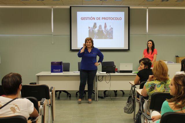 El Vivero de Empresas para Mujeres acoge un curso de protocolo, Foto 1