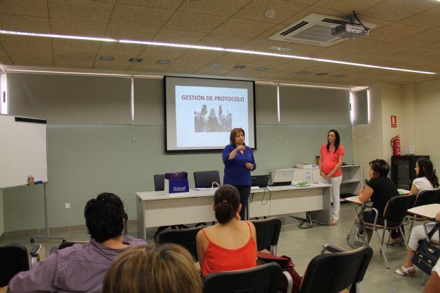El Vivero de Empresas para Mujeres acoge un curso de protocolo, Foto 3