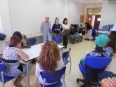 40 mujeres inmigrantes participan en un curso para prevenir la violencia de género