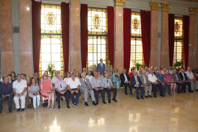 El Alcalde agradece la dedicación a la ciudad a los 60 funcionarios han concluido su carrera profesional en el Ayuntamiento - 1, Foto 1