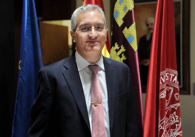 El rector Orihuela valora la colaboración de todos en la toma de posesión del gerente - 2, Foto 2