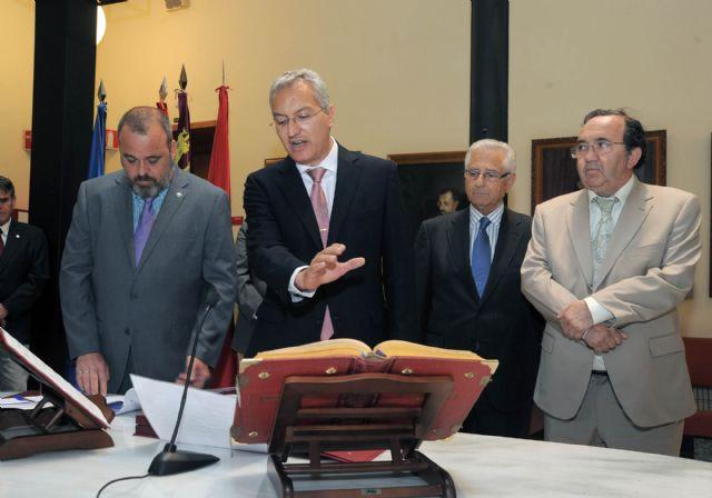 El rector Orihuela valora la colaboración de todos en la toma de posesión del gerente - 3, Foto 3