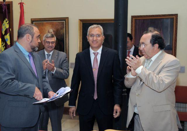 El rector Orihuela valora la colaboración de todos en la toma de posesión del gerente - 4, Foto 4