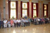 El Alcalde agradece la dedicación a la ciudad a los 60 funcionarios han concluido su carrera profesional en el Ayuntamiento