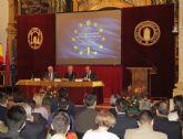 Valcárcel dialoga sobre Europa con los universitarios