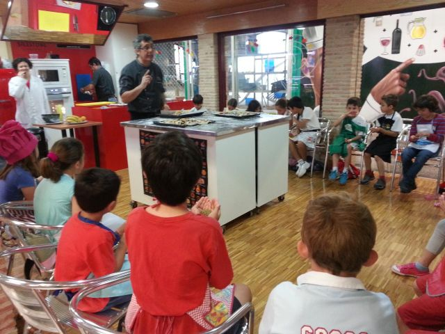 Los escolares elaboran pizza con productos de la Región - 2, Foto 2
