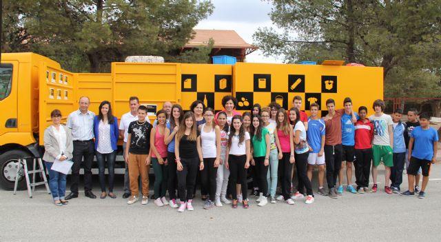 Más de 600 estudiantes lumbrerenses conocen el funcionamiento del Ecoparque Móvil para fomentar el reciclaje y la gestión de residuos - 2, Foto 2