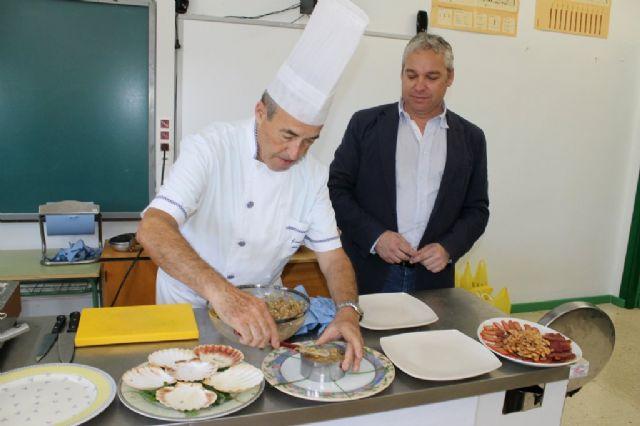 Los escolares de Mazarrón conocen el atún rojo y otros productos de Mazarrón 'cocinando con el alcalde' - 3, Foto 3