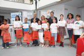 Los ganadores del V concurso de dibujo Crece en Seguridad reciben sus premios