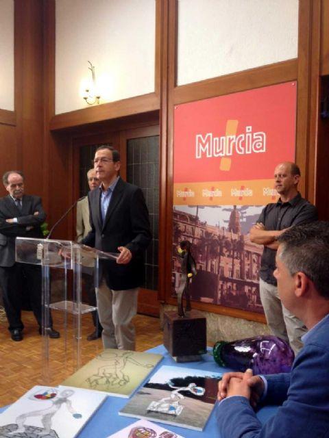 El Alcalde Cámara presenta el ´Monumento al Agricultor´ que ensalzará el esfuerzo y entrega de los profesionales  de la huerta y el campo - 2, Foto 2