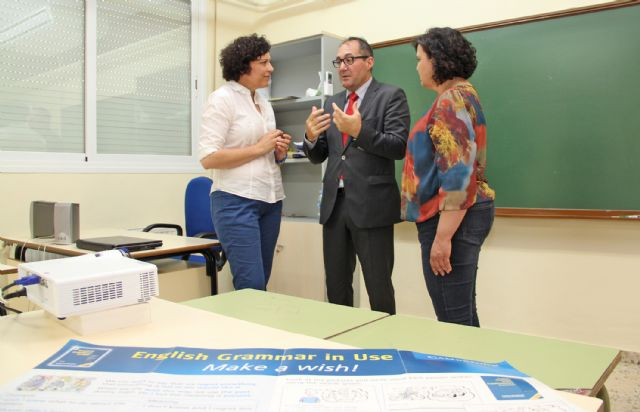 El director general de Universidades visita la extensión de la Escuela Oficial de Idiomas de Puerto Lumbreras - 1, Foto 1