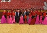 El consejero de Cultura destaca el trabajo que se realiza en la Escuela de Tauromaquia de Murcia