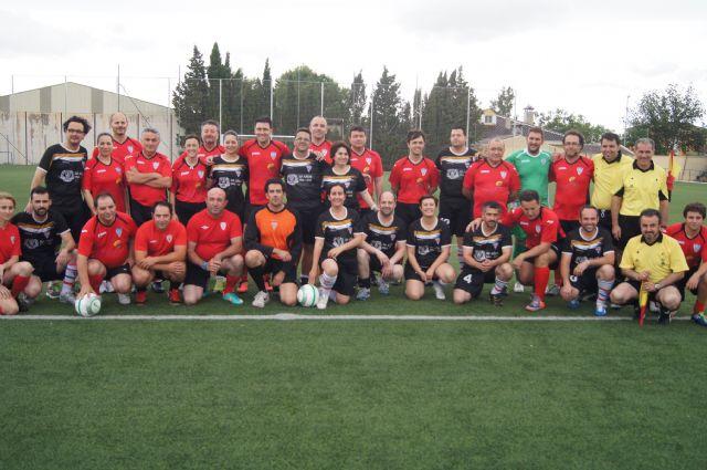 La corporación de Totana se enfrentó a la alhameña en un partido de fútbol, Foto 1
