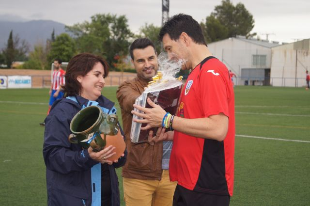 La corporación de Totana se enfrentó a la alhameña en un partido de fútbol, Foto 4