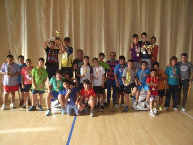 La concejalía de Deportes llevó a cabo la entrega de trofeos de la fase local de multideporte, baloncesto, balonmano y futbol sala, de Deporte Escolar - 2