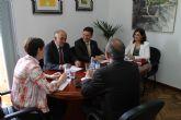 El presidente regional anuncia en su visita al municipio que la construcci�n del nuevo edificio del Valle de Leiva se har� a cargo de fondo FEDER