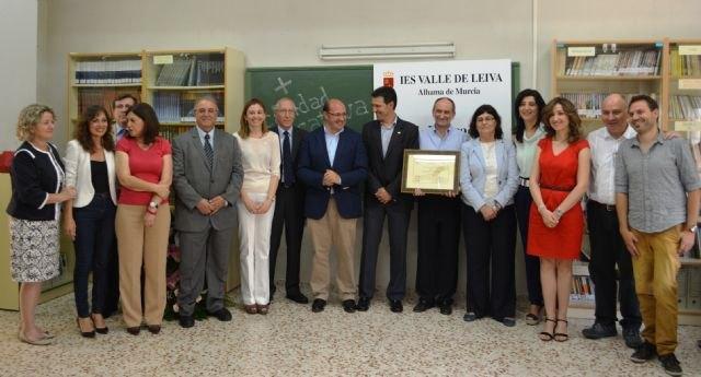 El IES Valle de Leiva de Alhama de Murcia es el primer centro educativo de España que obtiene el certificado de calidad CAF, Foto 1