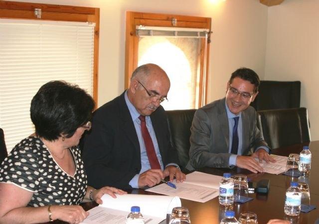 La Comunidad buscará la fórmula jurídica que garantice el mantenimiento de la Mancomunidad de Servicios Sociales Río Mula - 2, Foto 2