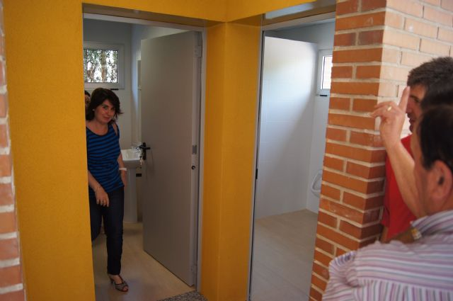 Finalizan las obras de los dos aseos en el nuevo aulario del Colegio Público Comarcal-Deitania, Foto 1