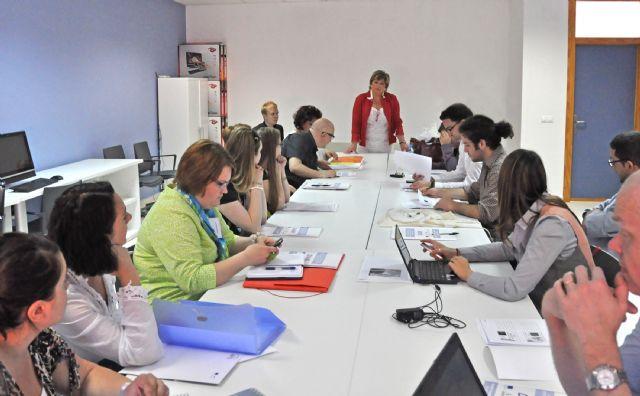 El Centro de la Mujer se apunta a clases de idiomas - 1, Foto 1