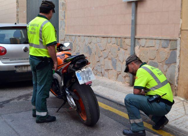 La Guardia Civil detiene al conductor de una motocicleta que triplicaba la velocidad máxima permitida, Foto 1