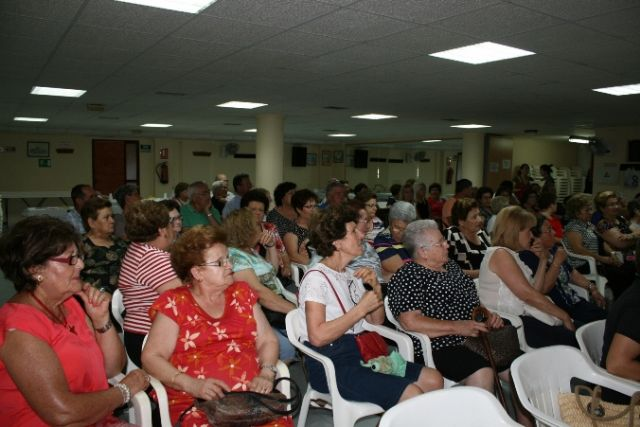 About 200 members of the Senior Center Municipal Pza Balsa Vieja participated in eight training workshops offered during the 2013/14 course